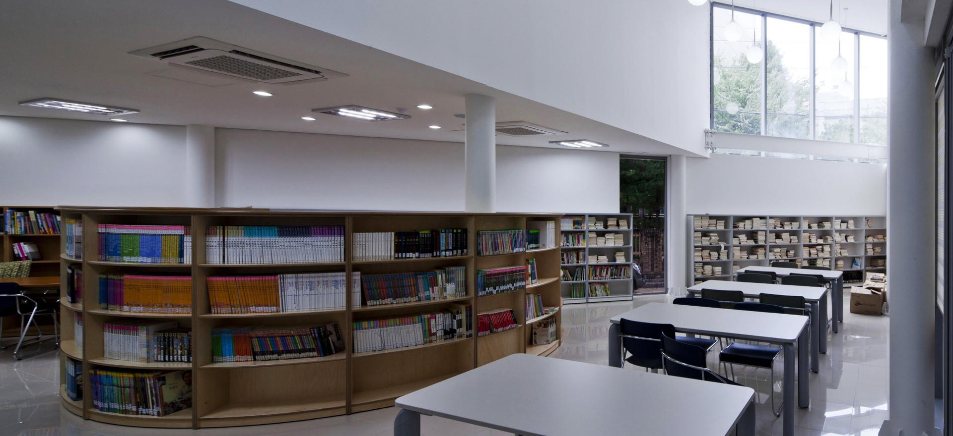 01 interior_s.jpg