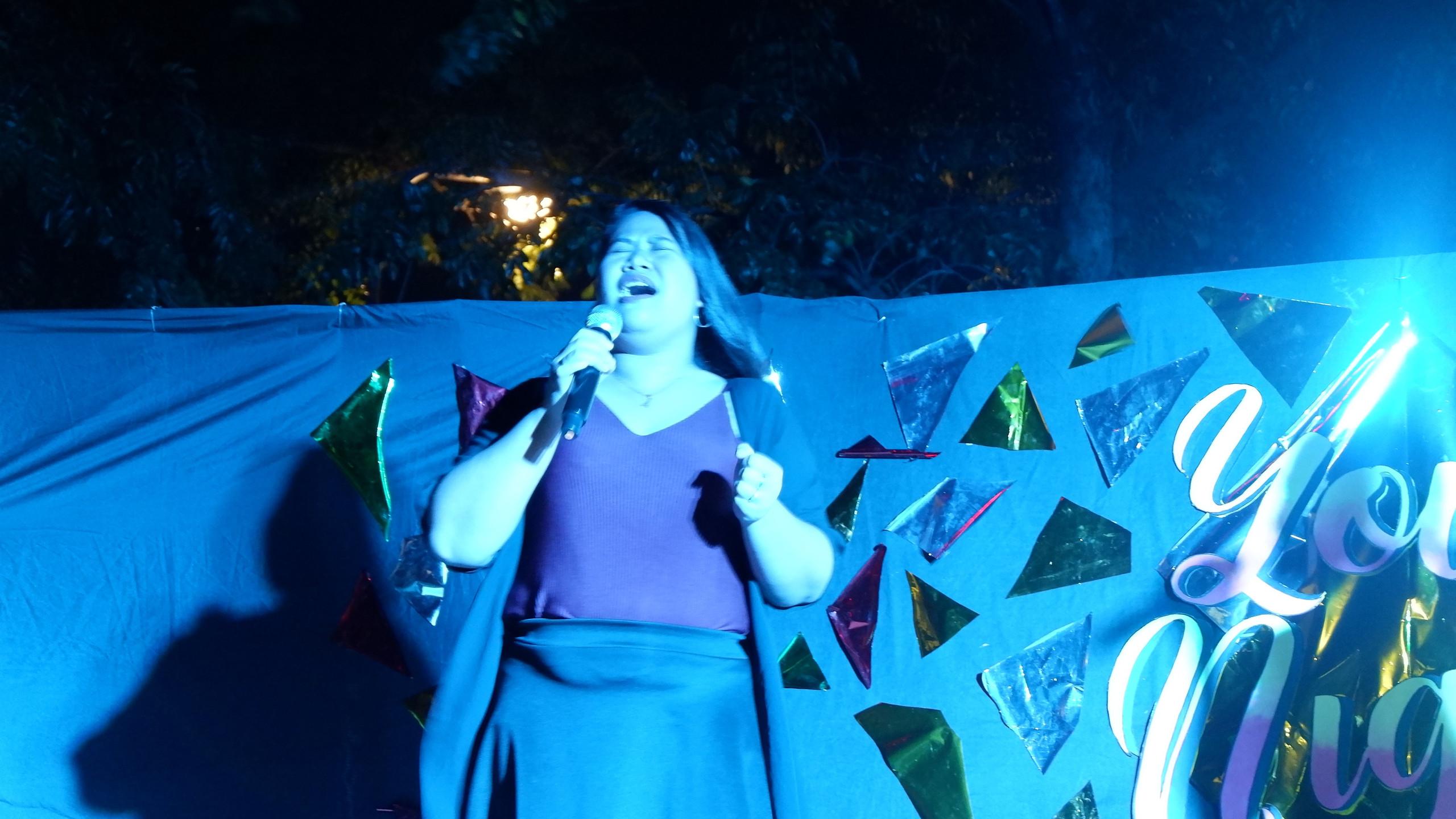 Fatima Singing
