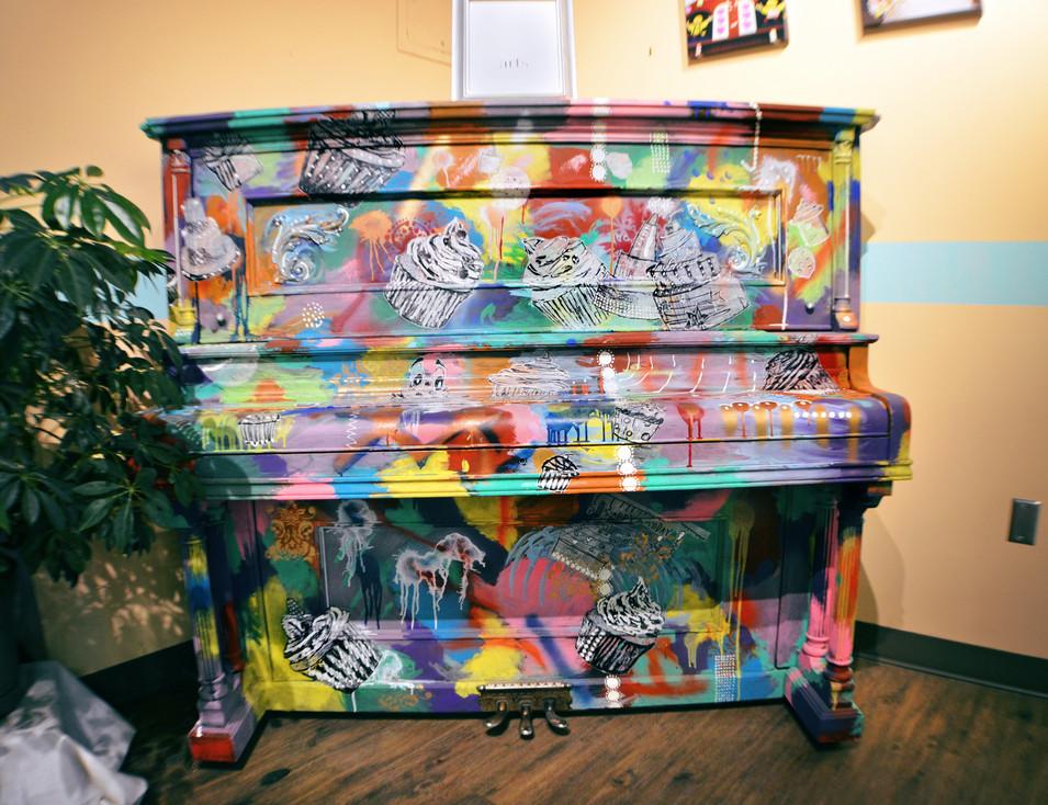 Creative Cakes Piano