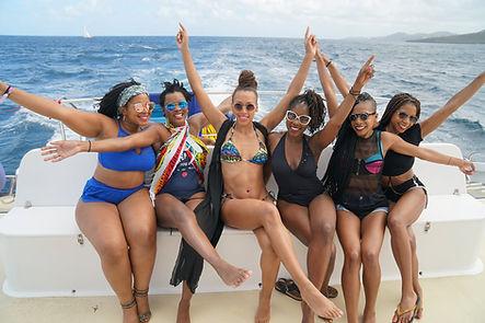 girls-getaway-tips-group-travel.jpg