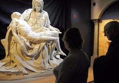 Portrait of Pope Benedict XVI by Igor Babailov exhibited alongside the Michelangelo's works - Vatican Splendors