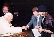 Аудиенция художника Игоря Бабайлова с Папой Римским Иоанном Павлом II-м в Ватикане.
