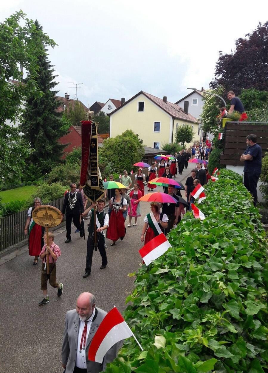 Festzug zu 140 Jahren FF Pettendorf
