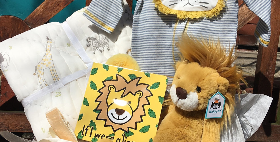 Wumper Lion Gift Basket