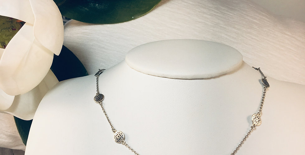 Ferrara Petite Collar Necklace