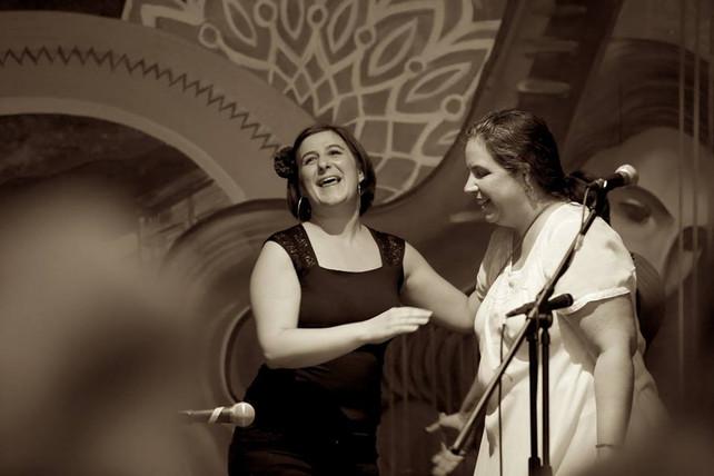 Left to right: Marina Romani, Maria De La Rosa © Eli Jacobs-Fantauzzi