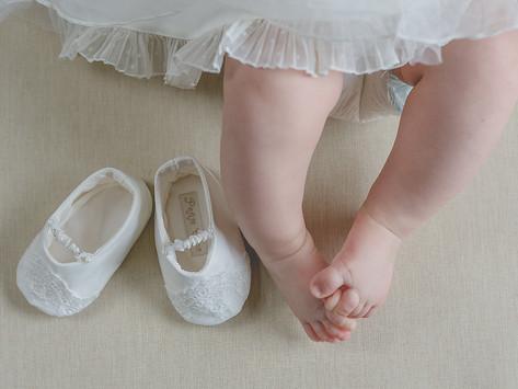 To chew the shoe or not to shoe the chew. Botezul micutei Thea