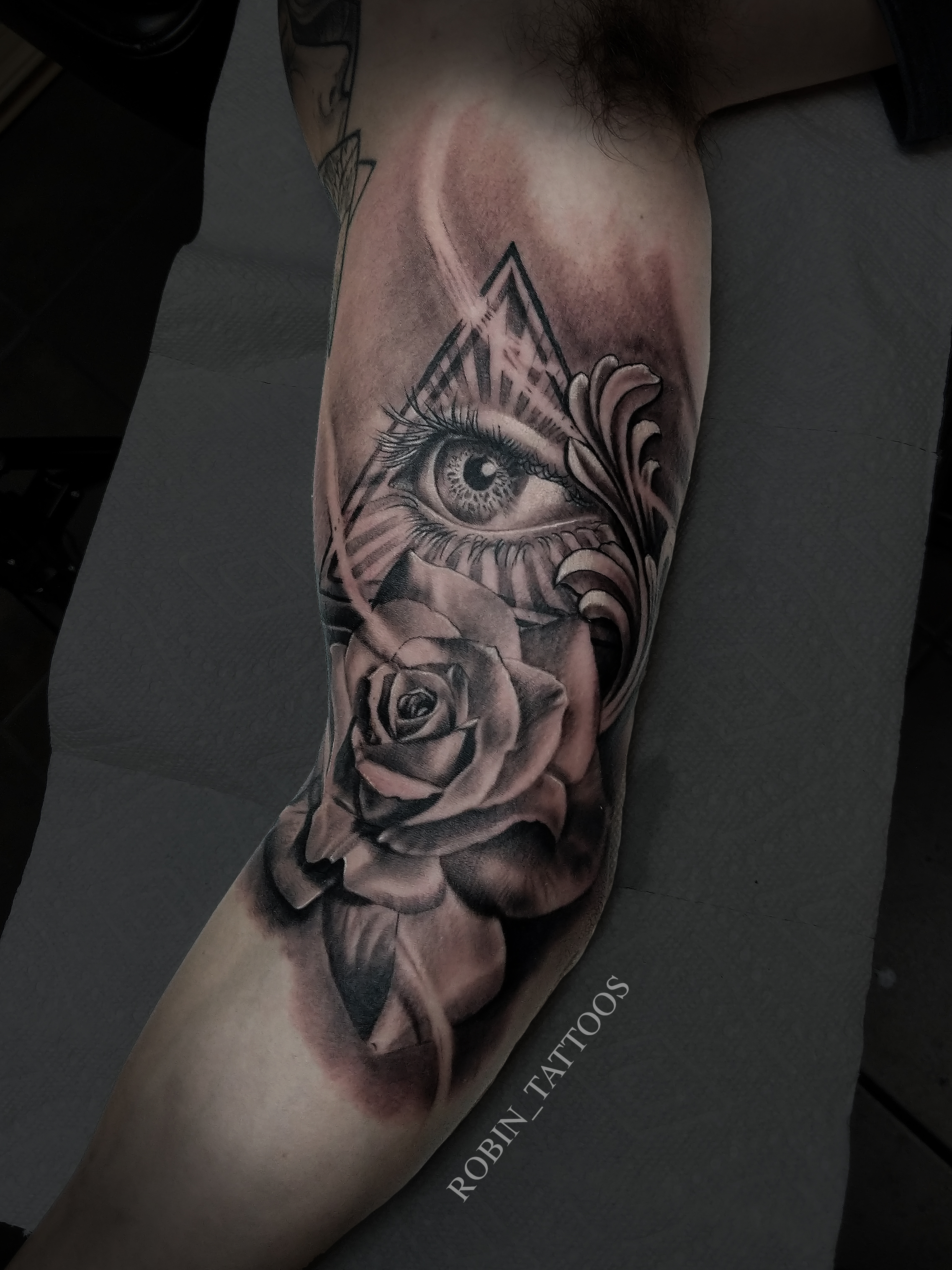 Eye Rose tattoo