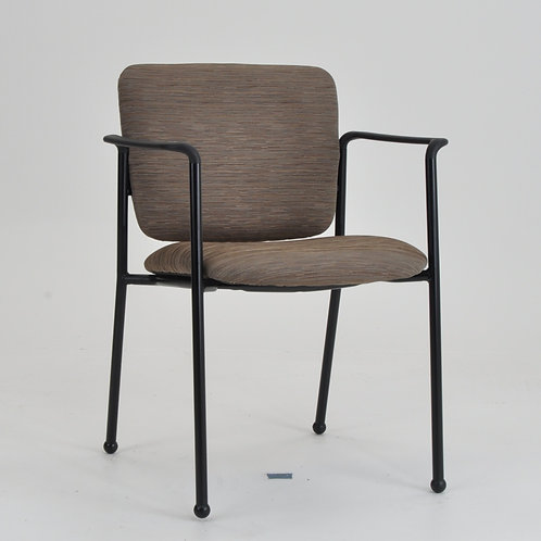 Monterey II 4-leg chair with Arms