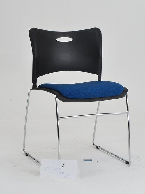 Indy chair with seat pad