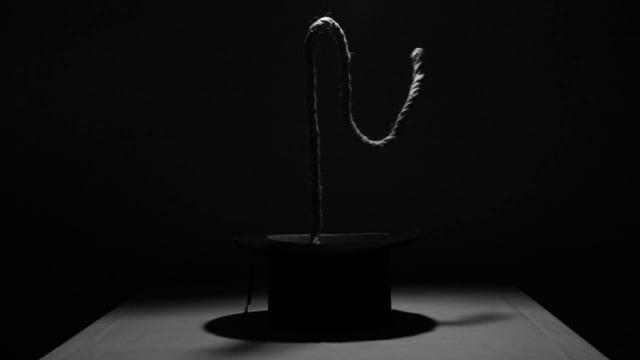 Πίσω απ' τα ανεκπλήρωτα (2012)