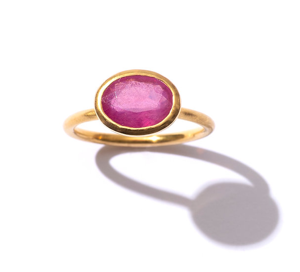 The Taji ring (Sapphire)