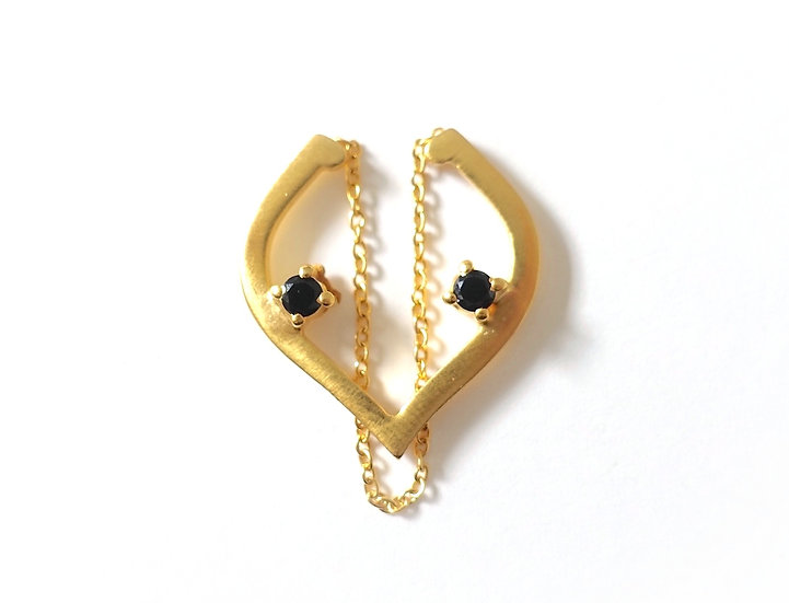 The Taji ear cuff (Black Spinel)