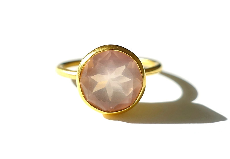 The Taji ring (Rose Quartz)
