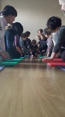 Yoga-in-fiore-famiglie-17.jpg