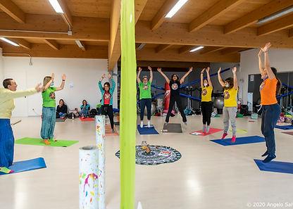 formazione-yoga-in-fiore-annuale.jpg