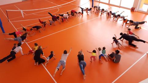 Yoga-in-fiore-famiglie-9.jpg