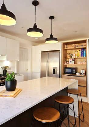 Matt white handle less kitchen