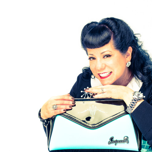 commercial-branding-portrait-photography-lifestyle-writer-Sourpuss-purse.jpg