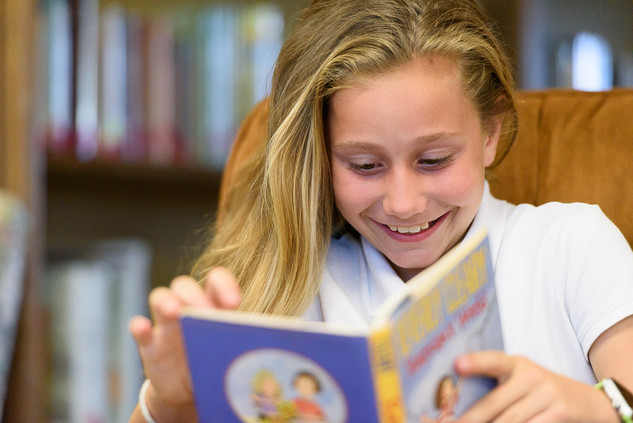 branding-photography-library-reading-closeup-private-school-kids-children.jpg