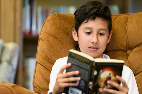 branding-photography-library-reading-closeup-private-school-kids-children (2).jpg