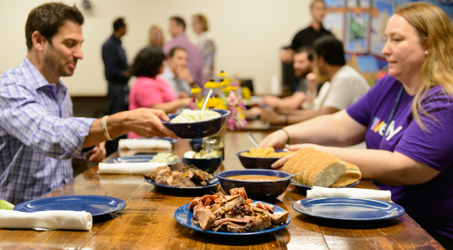 commercial-photography-candid-employees-lunch-bbq.jpg