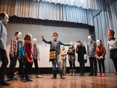 """Το παιδικό θεατρικό εργαστήρι παρουσίασε την """"Αγέλαστη Πολιτεία"""""""