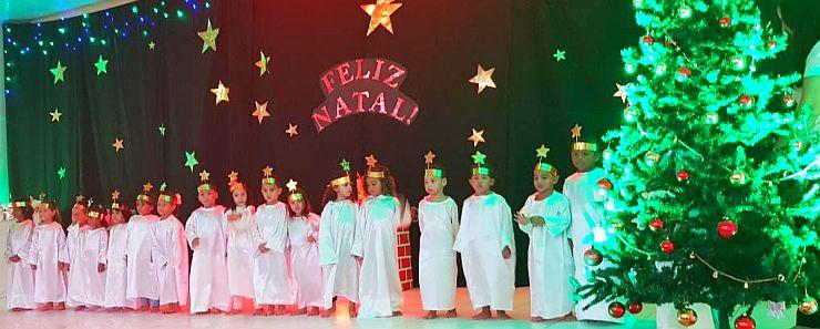Escola comemora o NATAL DAS CRIANÇAS