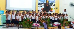 CRIANÇAS cantam e encantam na Semesp