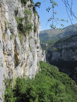 Pipeline walk above Gorge du Loup