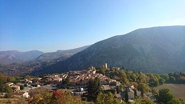 Greolieres village.jpg