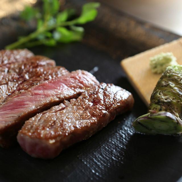 A5黒毛和牛(牝)サーロインステーキ(100g〜) 3,000円
