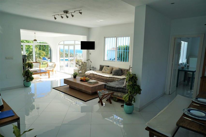 cortijo-molino-almayate-9-main-house-liv