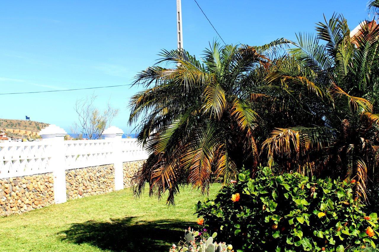 cortijo-molino-almayate-17-view-garden-b