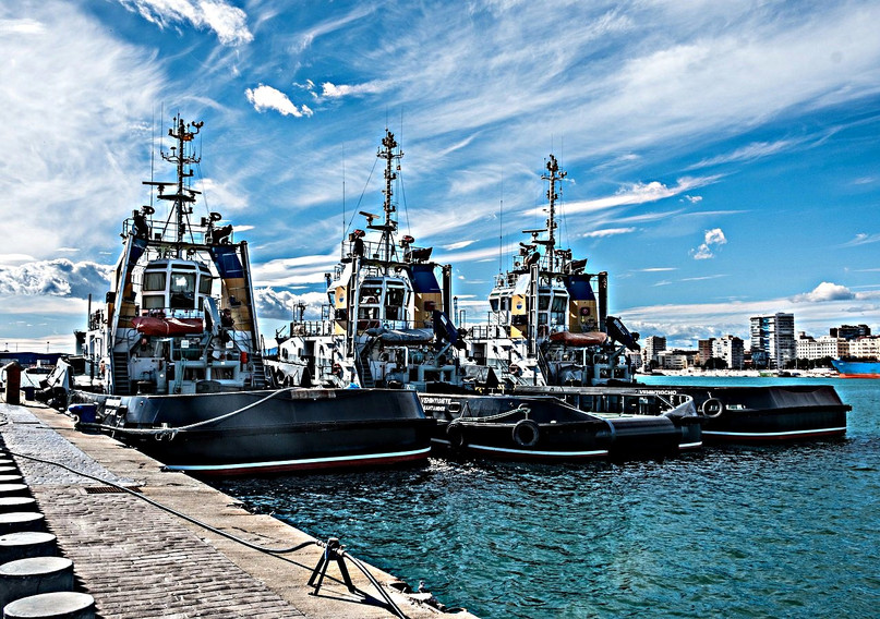andalusia-costa-del-sol-malaga-port-ship
