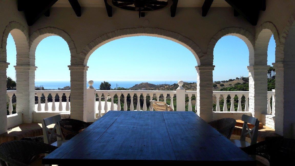 finca-molino-almayate-2-pool-terrace-sea