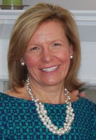 Sue Dills Headshot.jpg