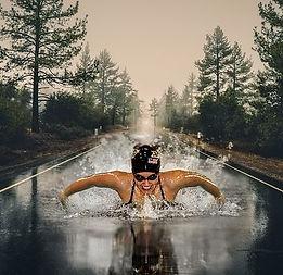 swimmer-3196296__480.jpg