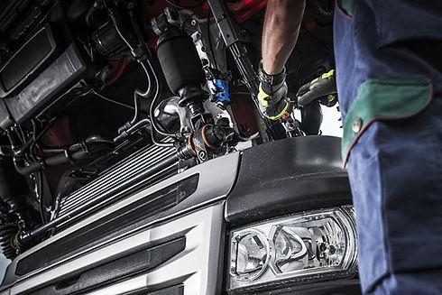 truckrepair2.jpg