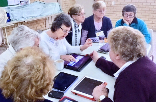 Switched on Seniors learning from each other