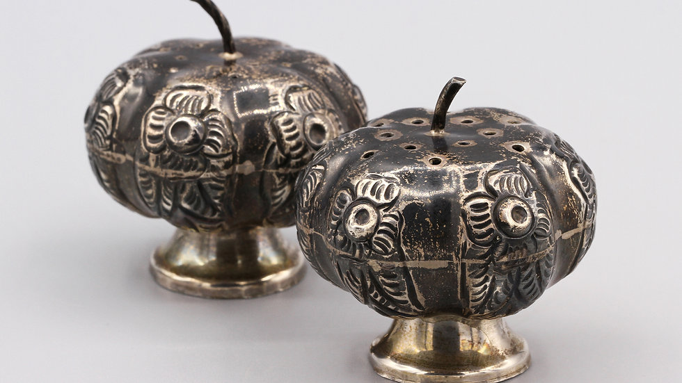 Mexico Pumpkin Salt and Pepper Shakers