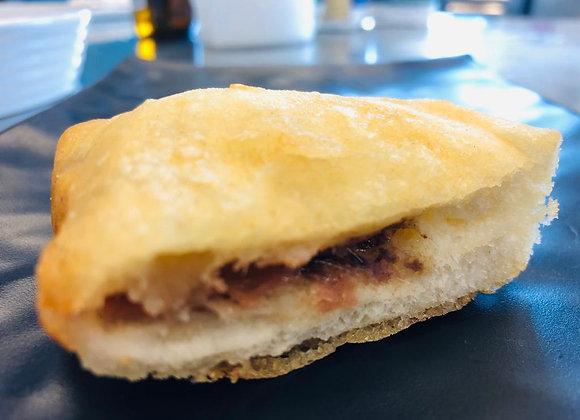 Mozzarella in Carrozza alle Acciughe con Panatura Croccante alla Birra Ambrata
