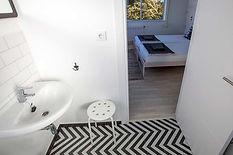SurfHostel_Bathroom.jpg