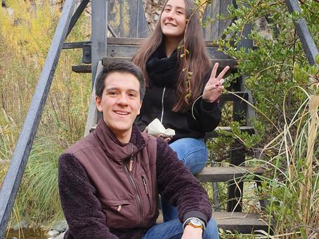 Cata y Francho en la Búsqueda de Egagrópilas en Río Clarillo