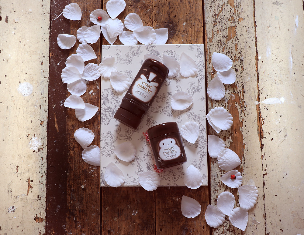 Yummy dairy and gluten free alternative to chocolate sauce and chocolate spread