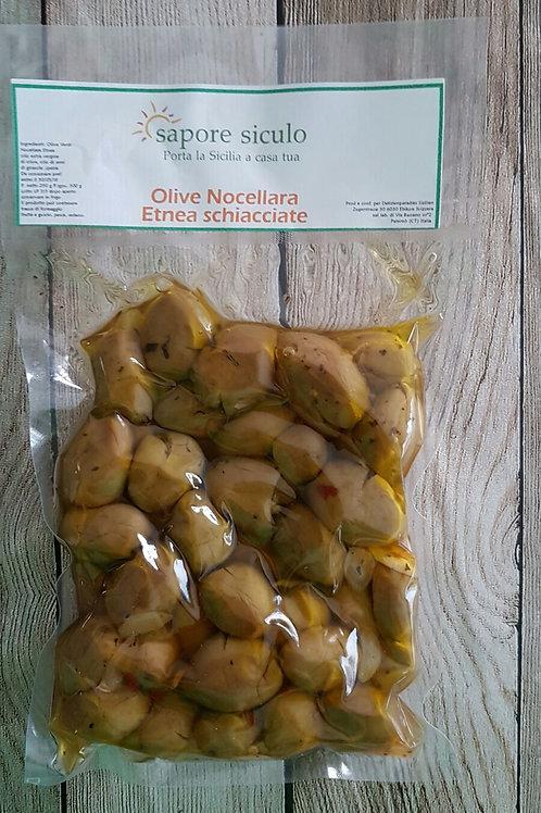 Oliven gewürzt vakuumverpackt