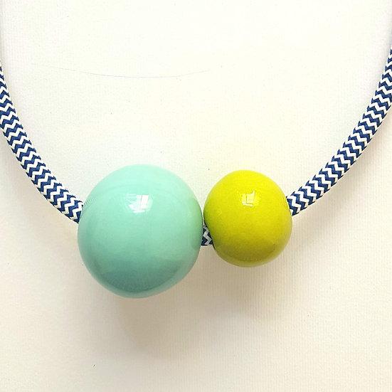 Collana in ceramica Due Sfere, Verde Acqua e Lime, cavo elettrico