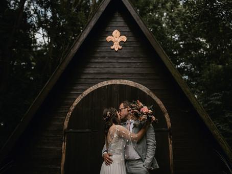 Annazsofi és Szabi bohém erdei esküvője