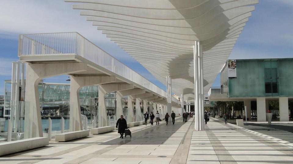 Malaga modern kikötői terminálja