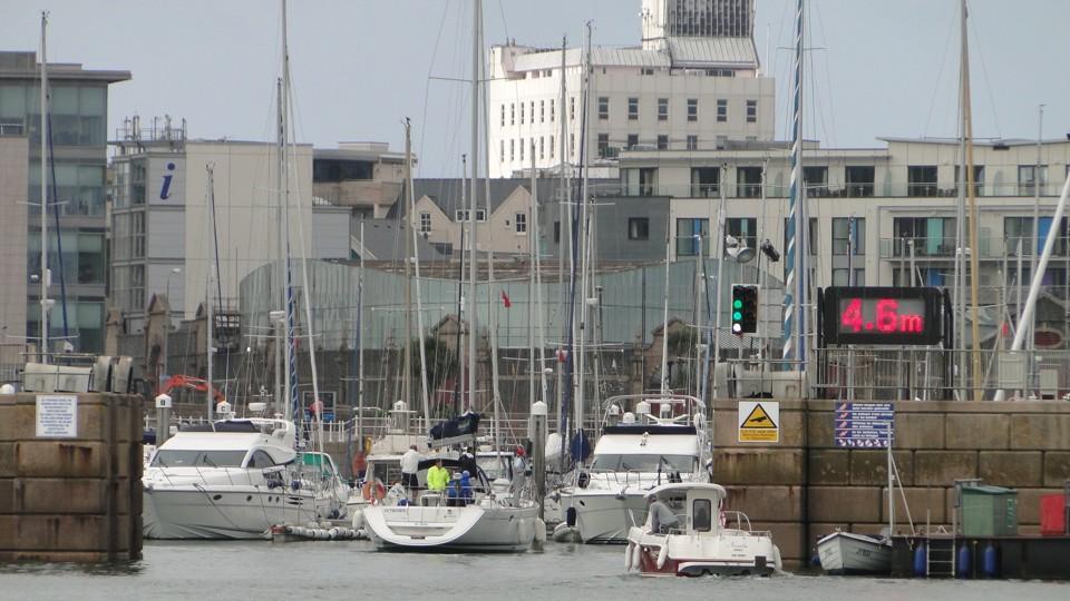 Jersey, a pontos vízszint kijelzése